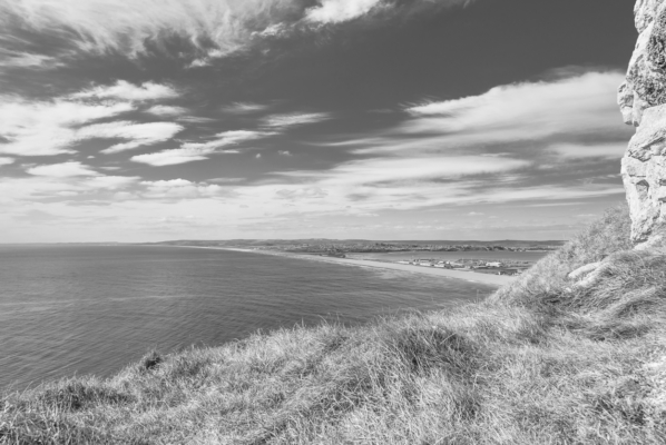 Portland-pitstop-view-of-Chesil-Beach-from-West-Weare-clifftop-19_04_15-b&w