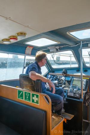 Portland-skipper-Steve-in-Pilot-Boat-Rodwell-(by-Outer-Breakwater)-26_08_16-3