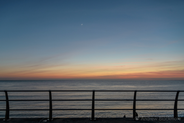 Portland-sunset-and-new-moon-from-Brandy-Lane-(with-railing)-22_03_15