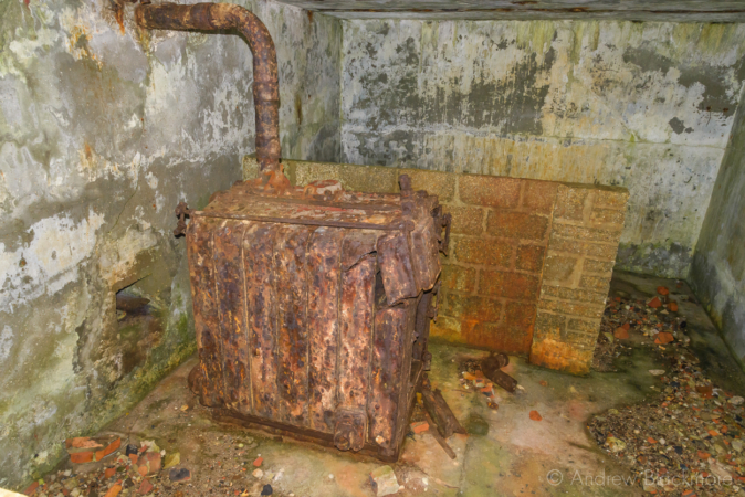 Portland-the-Breakwater-Fort-boiler-room-(south-side)-26_08_16-1