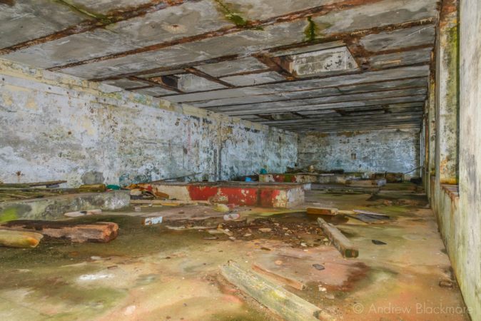 Portland-the-Breakwater-Fort-engine-room-interior-(south-side)-26_08_16-1
