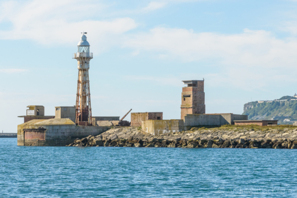 Portland-the-Breakwater-Lighthouse-from-the-sea-26_08_16-1