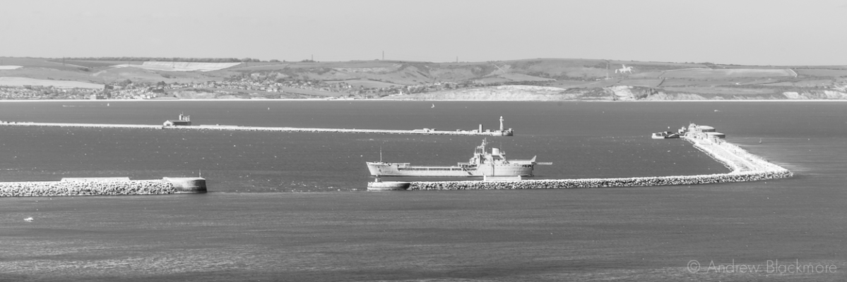 Portland-the-breakwaters-and-RFA-Sir-Tristram-from-East-Weare-16_05_15-1-pan-b&w