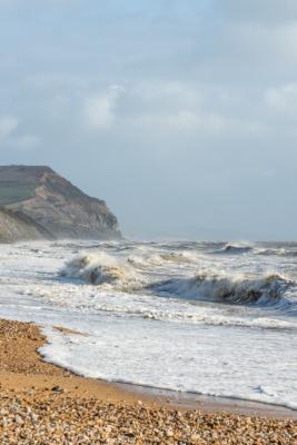 Rough-seas-&-Golden-Cap-from-Charmouth-beach-26_01_14-2