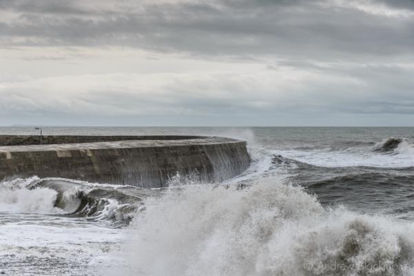 Stormy-seas-at-The-Cobb,-Lyme-Regis-12_12_14