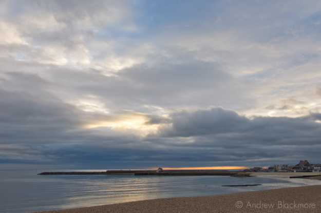 Stormy-sunset-from-Front-Beach,-Lyme-Regis-26_11_07