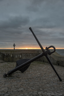 Sunrise-and-anchor-from-Cobb-Gate,-Lyme-Regis-19_11_12-2