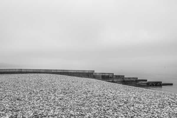 The-seawall-and-fog-at-Cobb-Gate,-Lyme-Regis-04_09_13