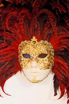 Venetian-mask-(Fuego)-Lyme-Regis-05_06_11