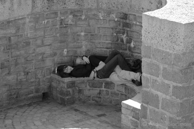 Young-couple-asleep-at-midday-Gun-Cliff-Walk,-Lyme-Regis-15_07_06-b&w