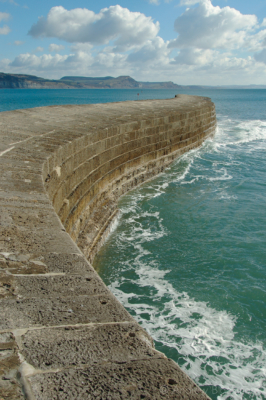 The-Cobb-in-summer-Lyme-Regis-12_03_05