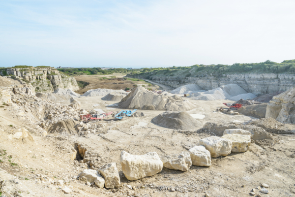 Portland-machinery-in-Admiralty-Quarry-10_05_15-4