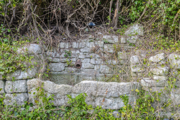 Portland-old-stone-trough-on-Merchants-Incline-19_04_15