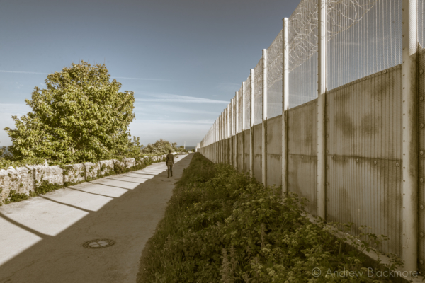Portland-perimeter-fence-of-The-Grove-by-East-Weare-cliffs-31_05_15-v2