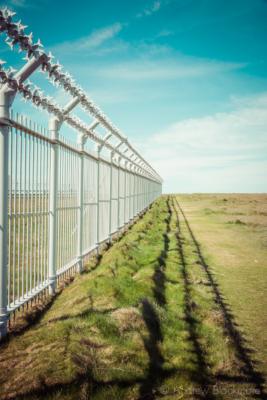 Portland-security-fence-at-Qinetiq-on-Portland-Bill-19_04_15-v2