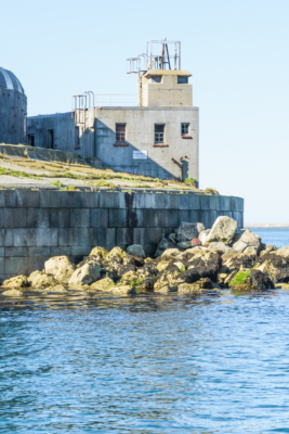 Portland-the-Breakwater-Fort-building-with-lookout-from-the-sea-26_08_16-1