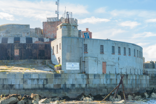 Portland-the-Breakwater-Fort-building-with-lookout-from-the-sea-26_08_16-2