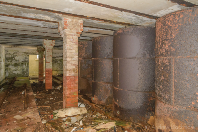 Portland-the-Breakwater-Fort-fuel-cylinder-room-(south-side)-26_08_16-3