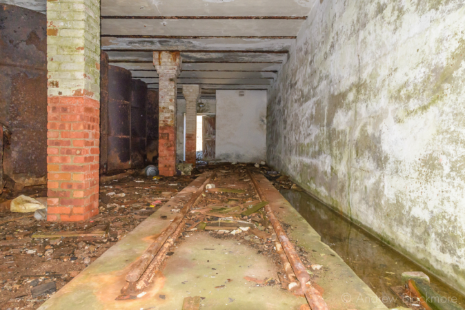 Portland-the-Breakwater-Fort-fuel-cylinder-room-and-rails-(south-side)-26_08_16-1