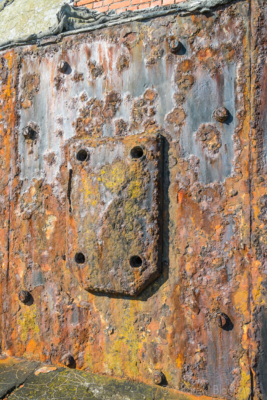 Portland-the-Breakwater-Fort-iron-cladding-hatch-26_08_16