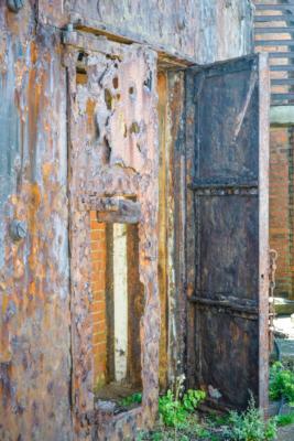 Portland-the-Breakwater-Fort-iron-doors-26_08_16