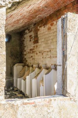 Portland-the-Breakwater-Fort-quayside-latrines-26_08_16-1