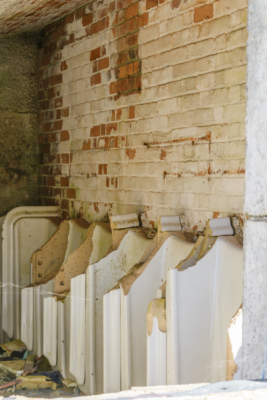 Portland-the-Breakwater-Fort-quayside-latrines-26_08_16-2