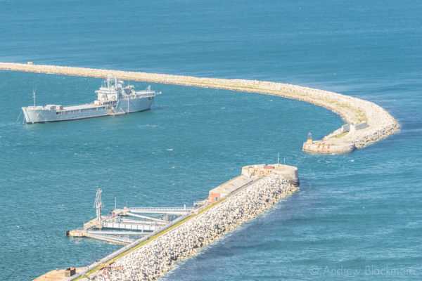 Portland-the-breakwater-and-RFA-Sir-Tristram-from-East-Weare-cliffs-31_05_15-2