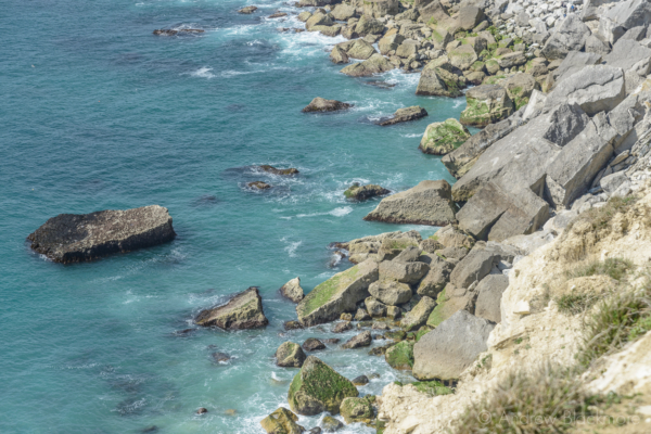 Portland-the-shoreline-below-West-Cliff-from-the-SW-Coast-Path-19_04_15
