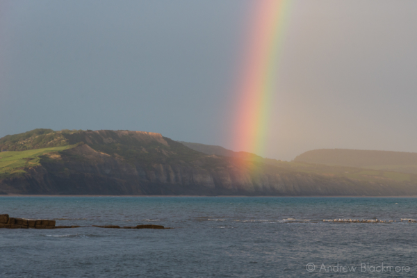 Rainbow-over-Charmouth-cliffs-from-Cobb-Gate,-Lyme-Regis-22_05_14-3