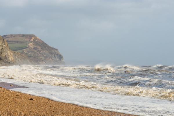 Rough-seas-&-Golden-Cap-from-Charmouth-beach-26_01_14-4