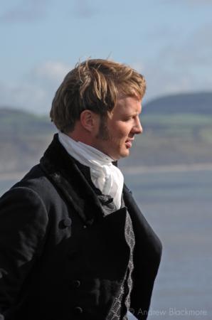 Rupert-Penry-Jones-filming-Jane-Austens-Persuasion-Lyme-Regis-20_10_06-5
