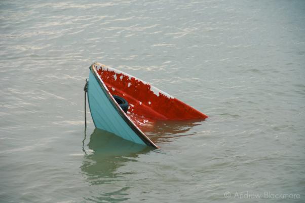 Sinking-tender-Lyme-Regis-harbour-15_01_08