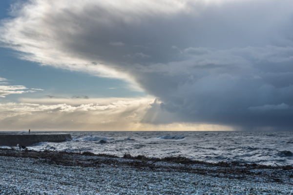 Storm-clouds-over-the-sea-from-Monmouth-Beach,-Lyme-Regis-04_02_14-4