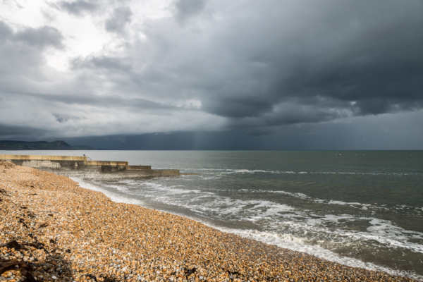 Stormy-cloudscape-and-evening-sun-from-Cobb-Gate-Beach,-Lyme-Regis-27_04_14-2