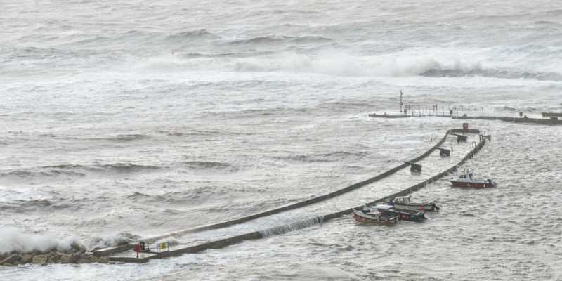 Stormy-sea-and-high-tide-at-North-Wall,-Lyme-Regis-(from-Cobb-Road)-30_12_15-2