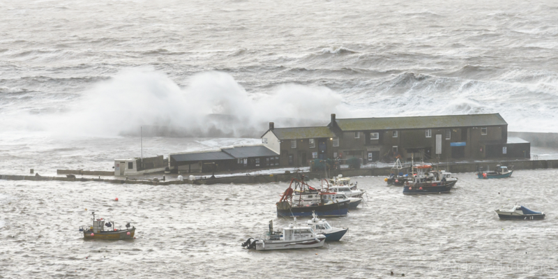 Stormy-sea-at-the-Cobb,-Lyme-Regis-(from-Cobb-Road)-30_12_15