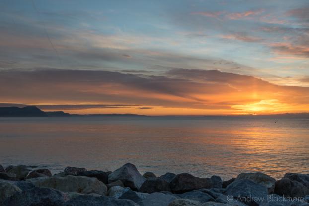 Sunrise-from-Cobb-Gate-Beach,-Lyme-Regis-30_11_12-2