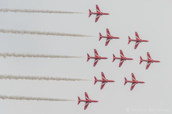 The-Red-Arrows-over-Lyme-Regis,-Dorset-21_07_16-05