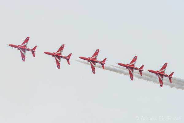 The-Red-Arrows-over-Lyme-Regis,-Dorset-21_07_16-34