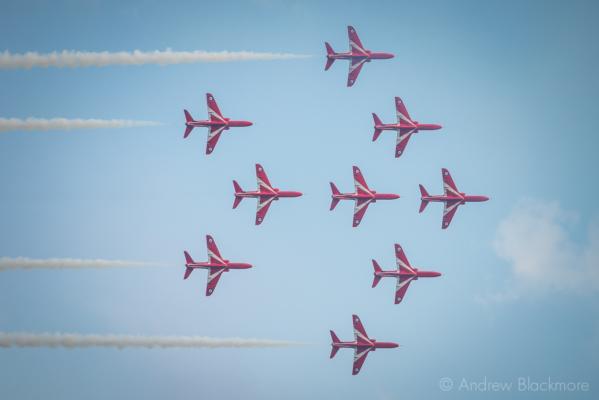 The-Red-Arrows-over-Lyme-Regis,-Dorset-24_07_14-39