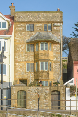 The-Sundial-from-Front-Beach,-Lyme-Regis-13_03_16