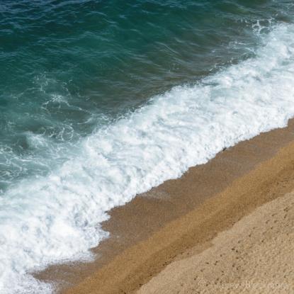 The-shoreline-and-Burton-Beach-from-Burton-Cliff-12_04_15-2-sq