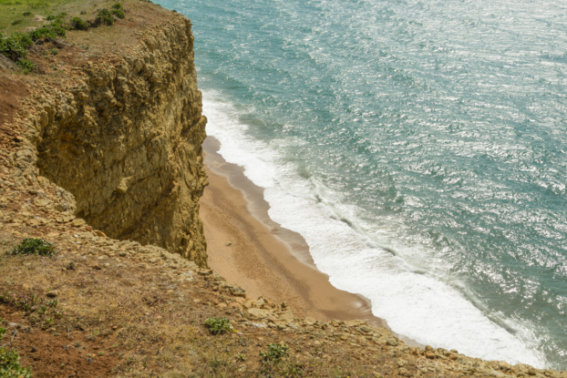 The-shoreline-and-beach-from-East-Cliff-12_04_15-1