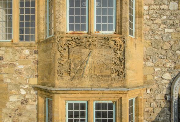The-sundial-on-The-Sundial,-Lyme-Regis-13_03_16-1