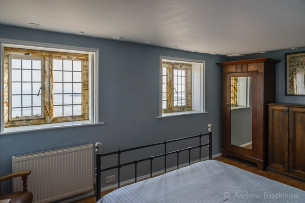 Top-floor-bedroom-in-The-Sundial,-Lyme-Regis-13_03_16-4