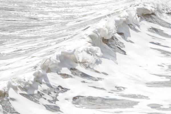 Waves-breaking-on-Cobb-Gate-Beach,-Lyme-Regis-19_04_13-crop