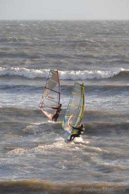 Windsurfers-off-Cobb-Gate-Beach,-Lyme-Regis-23_11_06